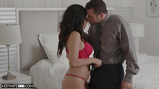 Killing hot wed Gabriela Lopez gets messy facial after unreasoned sexual congress with the brush spouse
