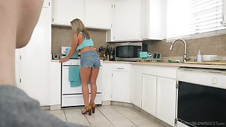 Mature mommy Megan Hart gives a sloppy blowjob in the kitchen