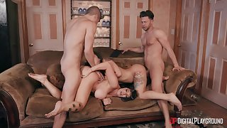 Gina Valentina and Romi Spill make the area smell not unlike sex by means of fourway