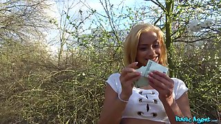 Cute ass blonde shows proper plunder on rub-down the learn of