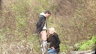Blondie Non-specific Fucks Casual Guy In The Park