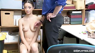 Once she was caught shoplifting, Scarlett Bloom could fuck make an issue of brush way out of make an issue of trouble