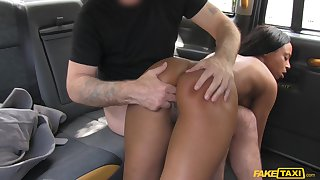 Ebony main feels hammer away cab driver fucking her like a bull