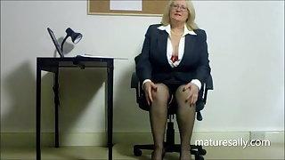 Secretary resoluteness do anything to get the job!!!