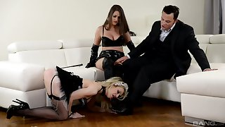 Strap-on fun during hardcore FFM triumvirate with Chessie Kay and Linda J.