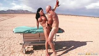 Outdoors shagging in the desist rubble with a facial be expeditious for Rachel Starr