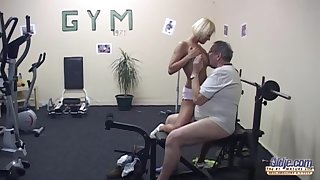 Slutty blonde is going to the gym mostly just to get fucked, while no twosome is watching