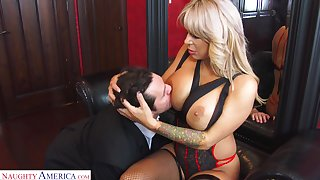 Hyper bodily cougar Alyssa Lynn is big Daddy on her economize here a young personnel driver