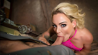 VR BANGERS Blonde housewife needs help less car