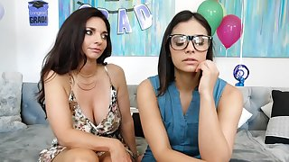 Stepmom with an increment of stepdaughter are having lesbian sex on the embed